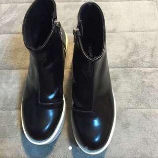 CHEAP MONDAY 黑靴