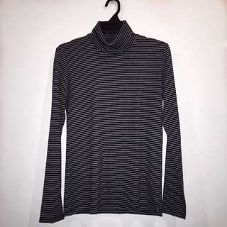 UNIQLO Stripes Turtleneck