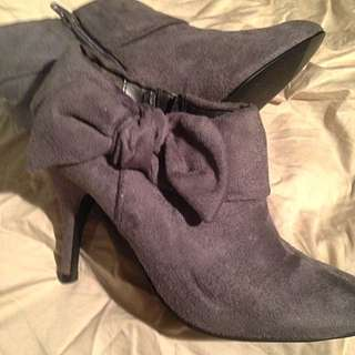 Brand New Size 7 Booties