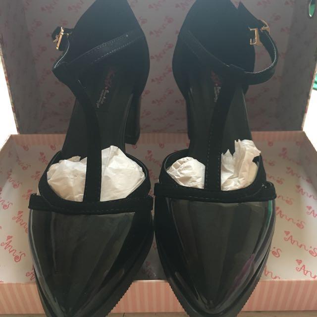 漆皮瑪莉珍尖頭粗跟鞋