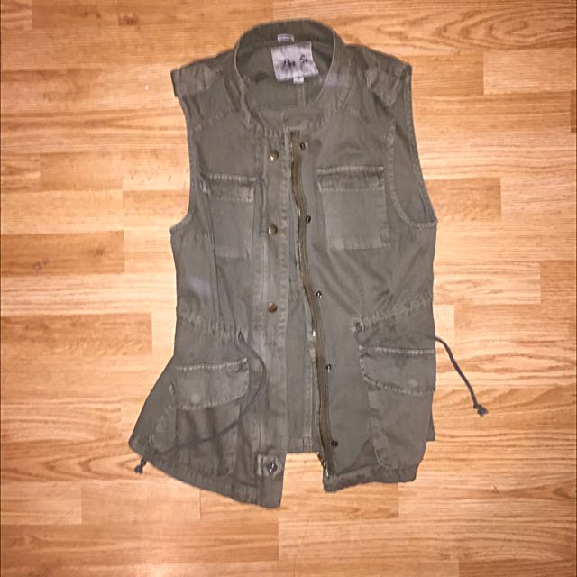 Army Green Adjustable Vest