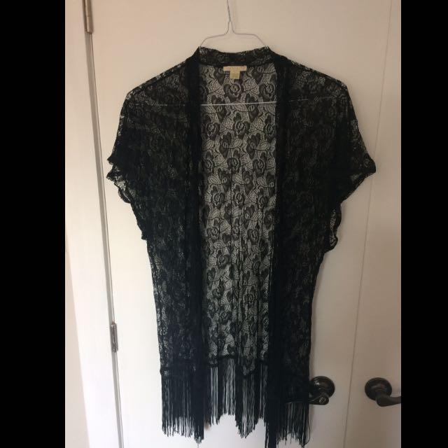 Cute Lace Top With Fringes