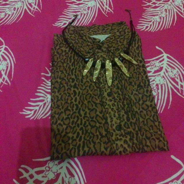 kemeja leopard