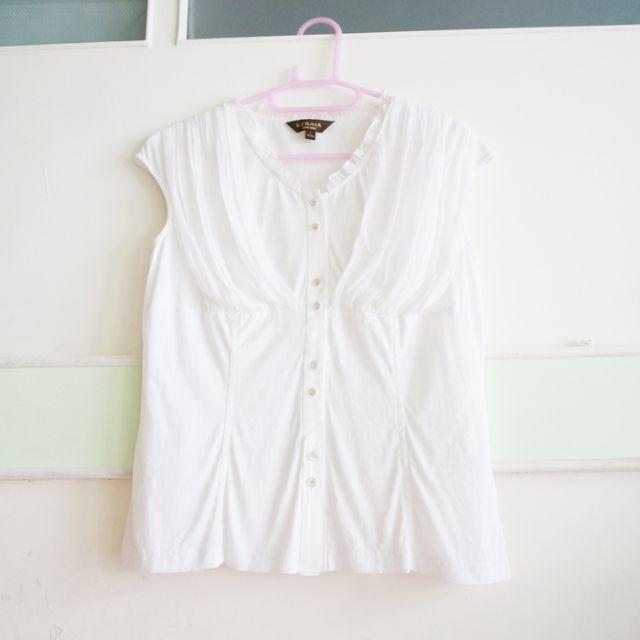 [二手]專櫃品牌/KERAIA克萊亞/白色/上衣/上班族/櫃姐/胸口設計