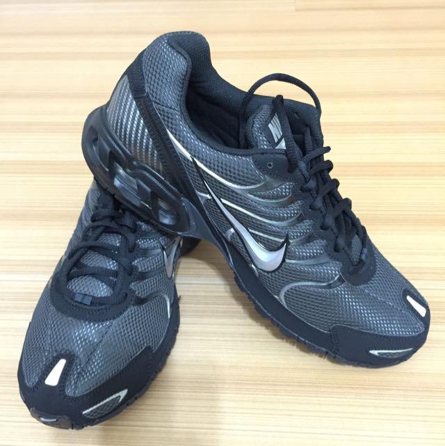 全新黑色Nike運動鞋MAXAIR