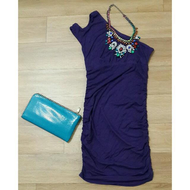 One shoulder dress Bahan kaos , bisa melar ikuti body Size S / M kecil LD 80 cm P 85 cm