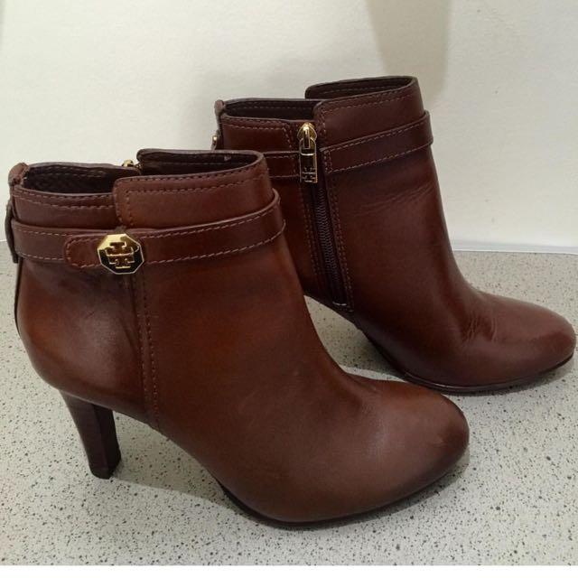 TB Shoes Size 7.5