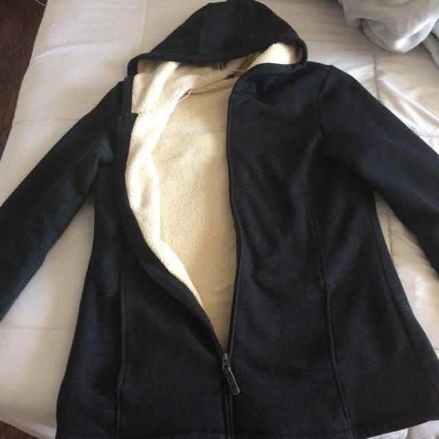 Zip Up Sweater/jacket