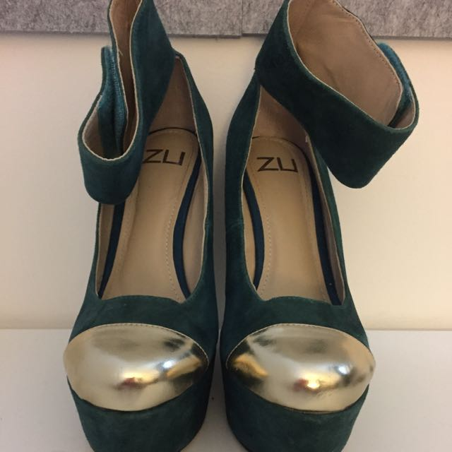 Zu Suede Green And Gold Heels