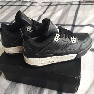 Replica Nike Air Jordan 4 Retro