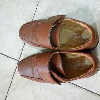 Shoes Coklat