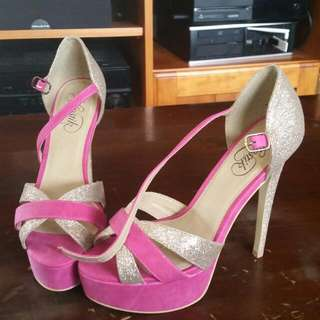 Brend new pink gold Heels