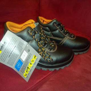 Safety Shoes (Cheap Price)