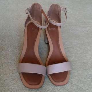 Novo Tan Heels Size 9