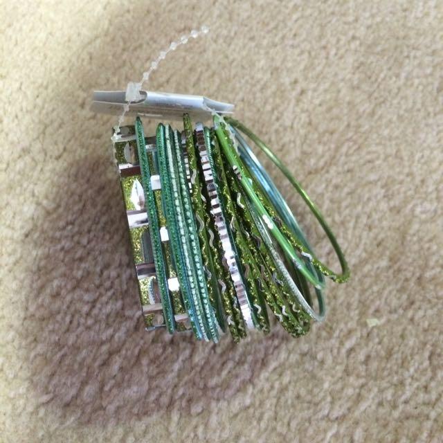 19 Green Bangle Pack