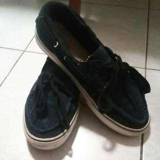 Navy Blue Vans Bout Shoes