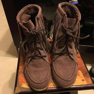 正韓麂皮材質流蘇粗跟鞋22.5