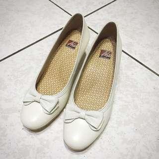 Aso 阿瘦 白色蝴蝶結 氣質高跟鞋