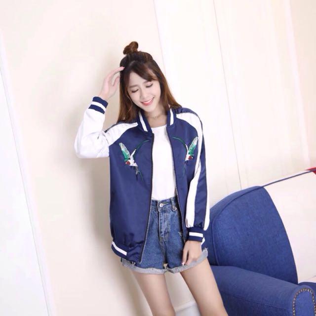 (全新免運)緞面韓國刺繡藍白配色橫賀須外套