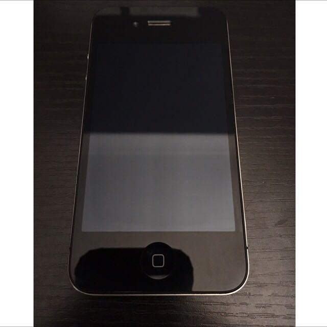 Apple iPhone 4 UNLOCKED - 16 GB - Black