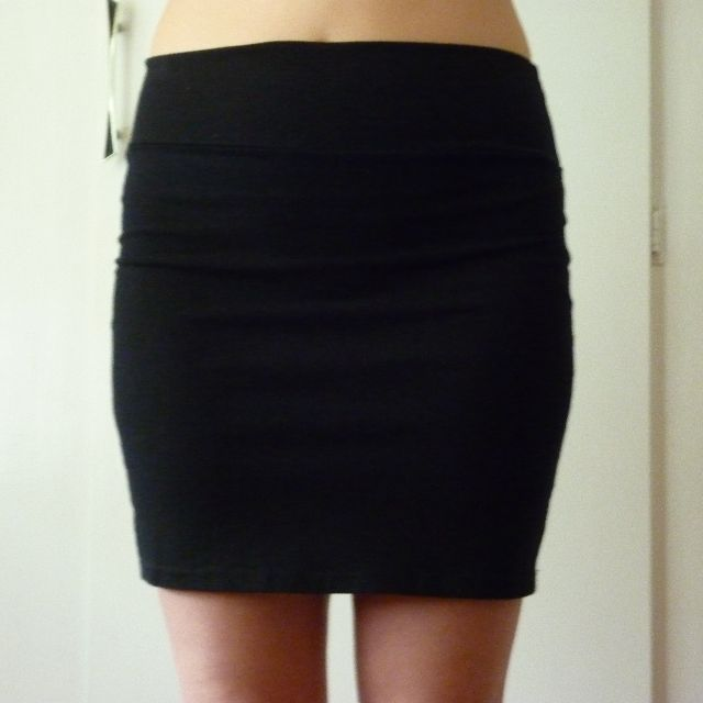 Black fitted skirt, size S