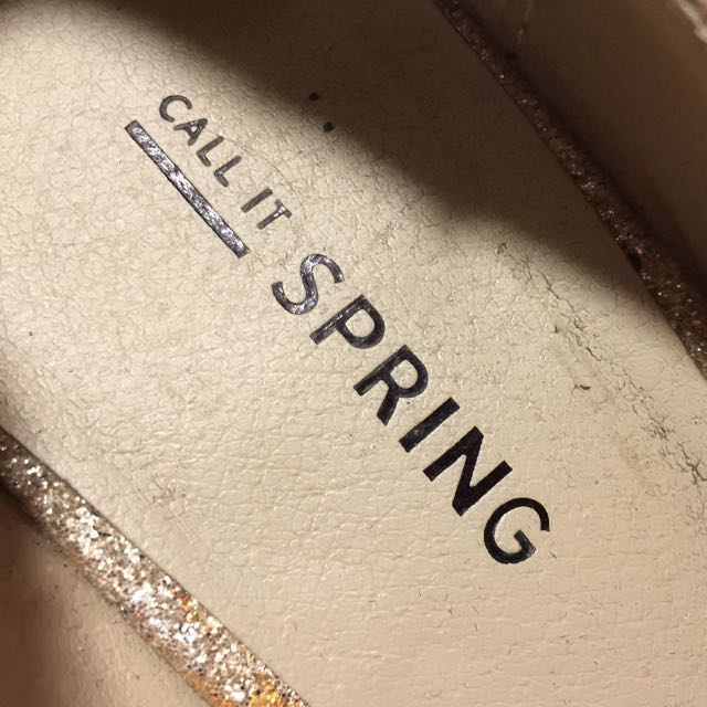 Call it Spring Gold Sparkly Pumps Size 6