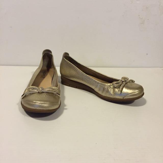 Diana Ferrari Gold Metallic Flats