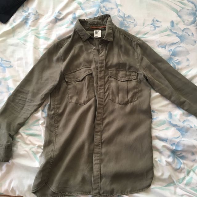 ✨ REPRICED ✨H&M Conscious Army Green Polo