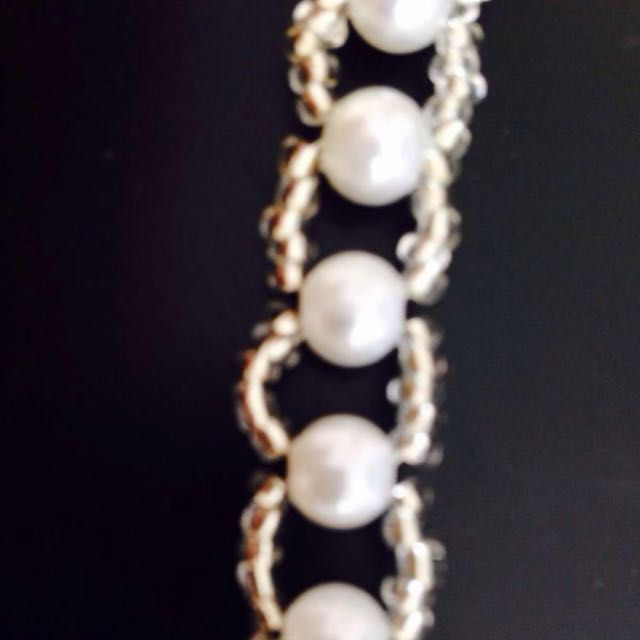 Lovely White bracelet Hands Made With Pearl Seeds Beads