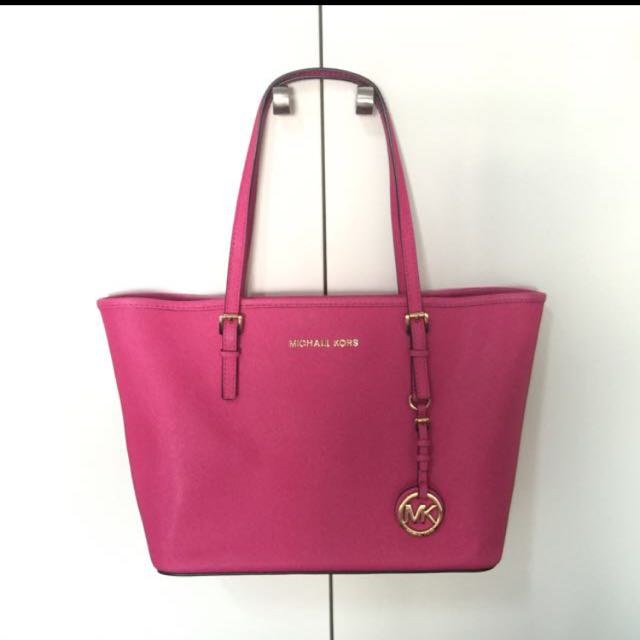 8d811651875a8 Michael Kors Jet Set Travel tote - Small. Pink