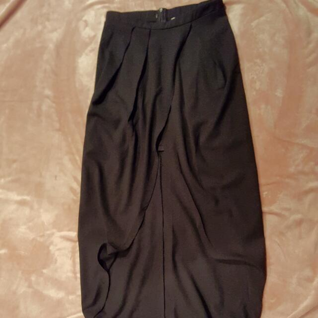 Middle Slit Maxi Skirt