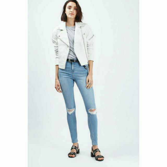 6a8081fbde0 [PO] *POPULAR* TOPSHOP INSPIRED MOTO BLEACH RIP JAMIE JEANS, Women's  Fashion, Clothes on Carousell