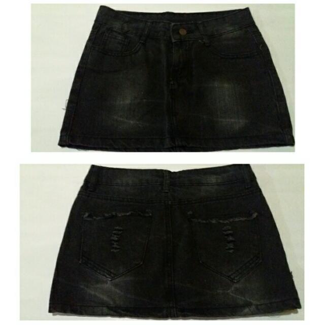 Preloved Maong Black Skirt