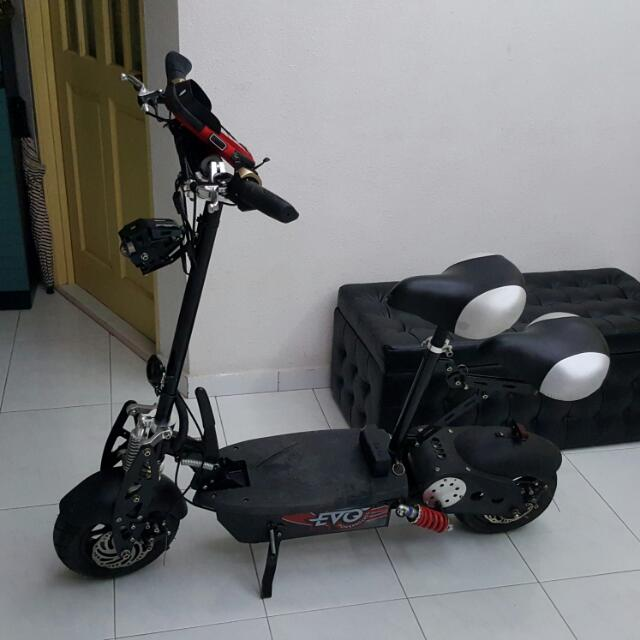 EVO E-SCOOTER 1300w With Turbocharged Up 1600w with 48v 12ah Lithium Battery