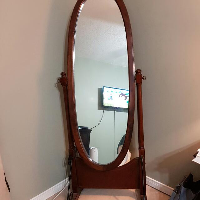 Solid Wood Oval Standing/Dressing Mirror