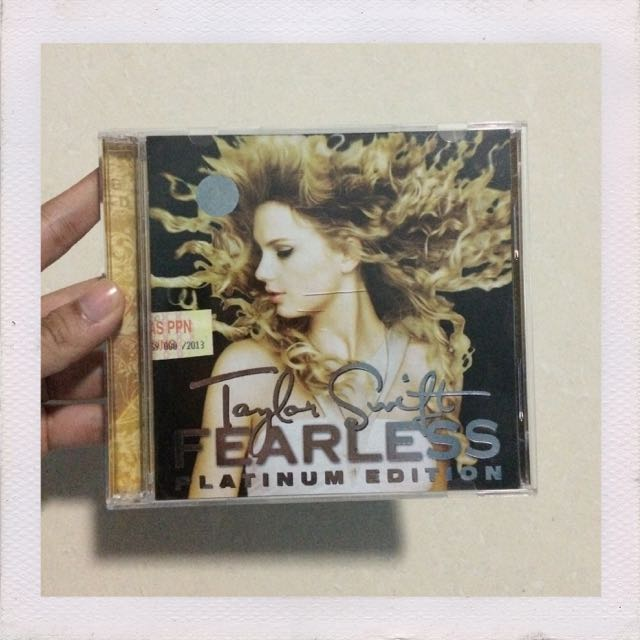 Taylor Swift Fearless Platinum Edition (2 Cds) Indonesian Edition
