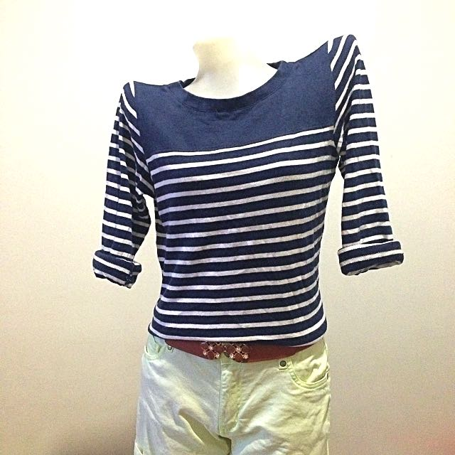 🚫reserved🚫Uniqlo Blue Stripes Pullover