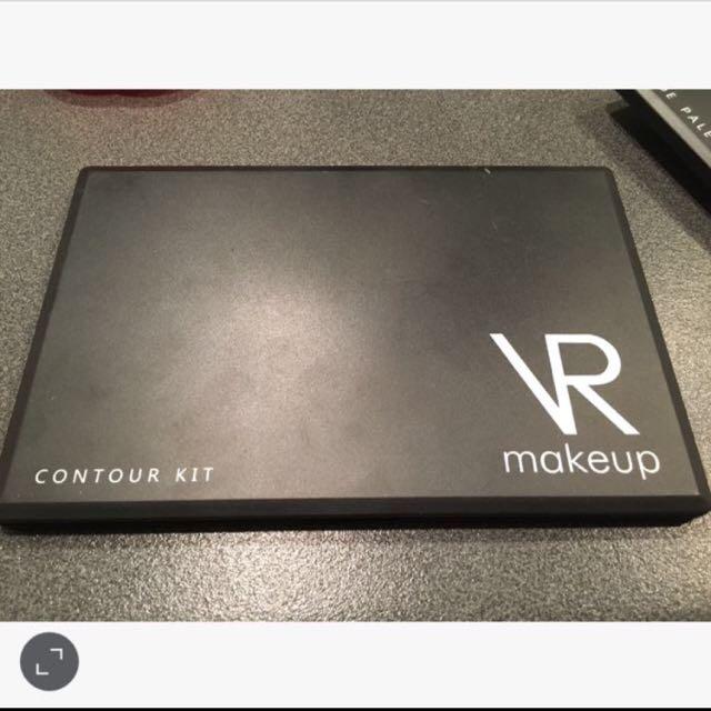 VR Makeup palettes