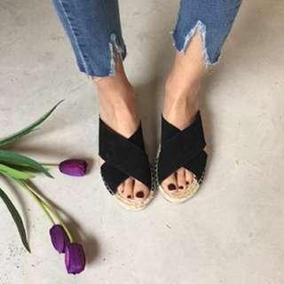 真皮交叉拖鞋