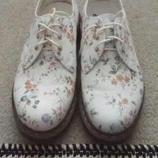 VINTAGE Dr. Martens Oxford Shoes