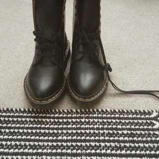 NEW Dr. Martens Alix Boots