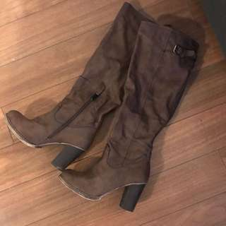 *Price Reduced* Flurries Tall Boots Sz 7