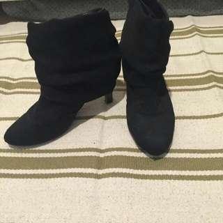 Ankle Booth Suede Black (Dulu Beli Di Hongkong)