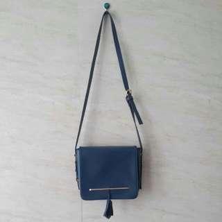 Donker Sling Bag - Small