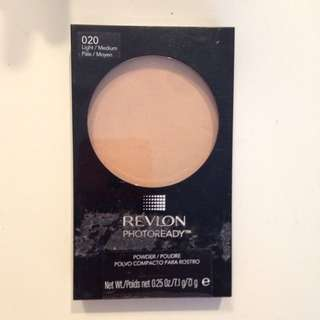 Revlon Photoready Powder- Light/medium