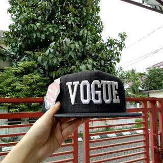 Snapback / Topi Vogue Black