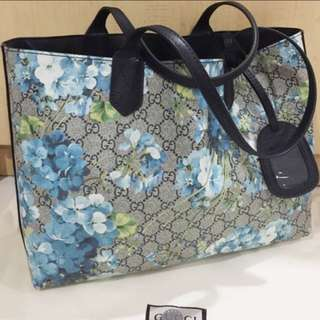 7b3fabcfbe56 Brand New Blue Floral Blooms Leather Turnaround Reversible Tote. Not Gucci.  Reversible Bloom GG