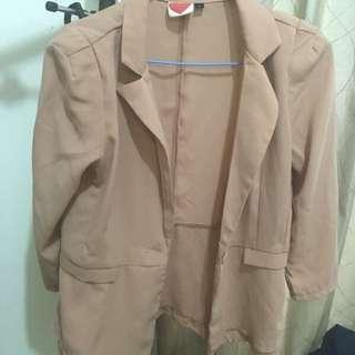 短版粉色雪紡西裝外套