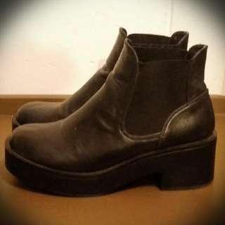 Black Ankle Platform Boots Sz39