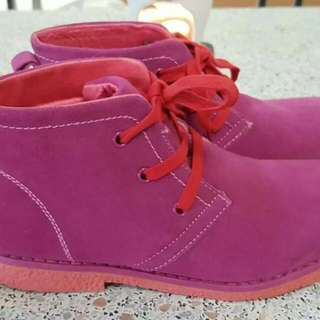 New girls Airflex leather boots in size 3.5